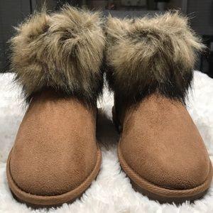 Faux Fur Short Boots Size 7